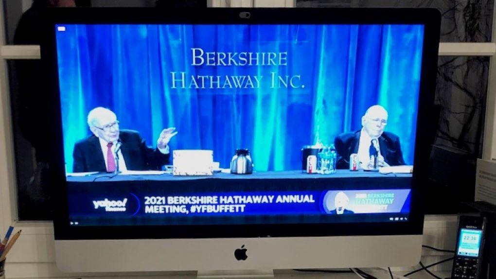 Warren Buffett und Charlie Munger bei der HV 2021