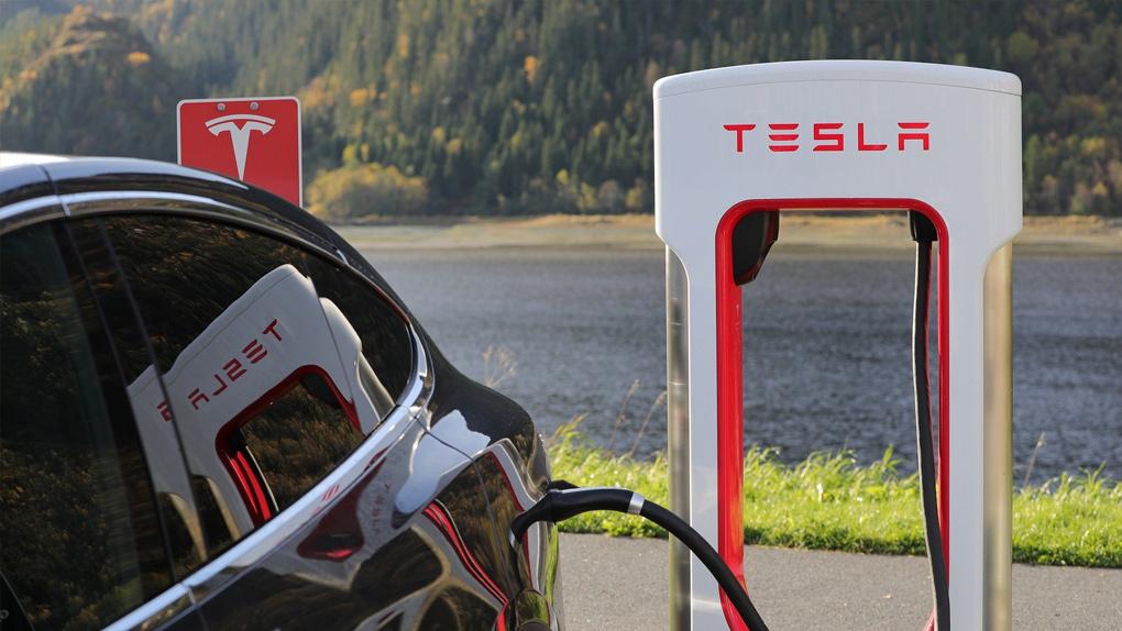 Tesla kurz teurer als VW, Daimler und BMW zusammen